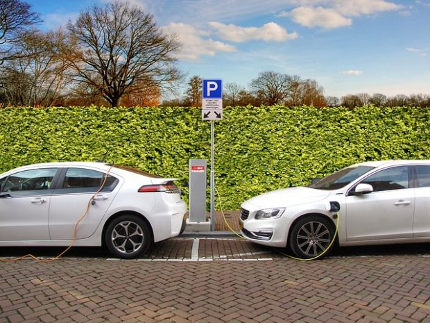 Quels sont les avantages des voitures hybrides ?