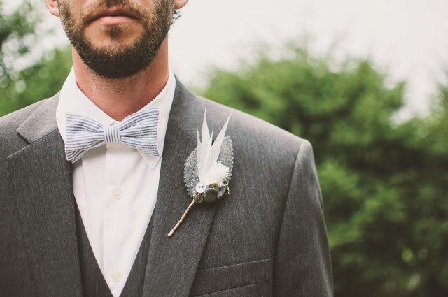 Costume pour le témoin du mariage